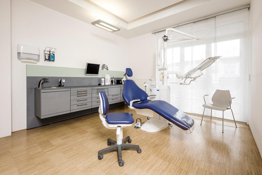 Zahnarzt Willich - Praxis Dr. Sandra Bewersdorf - Behandlungszimmer